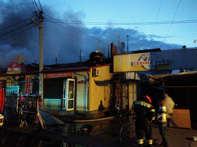 ВПолтаве масштабный пожар охватил центральный рынок