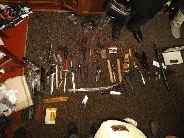 ВПолтавской области прежний идействующий полицейские торговали оружием