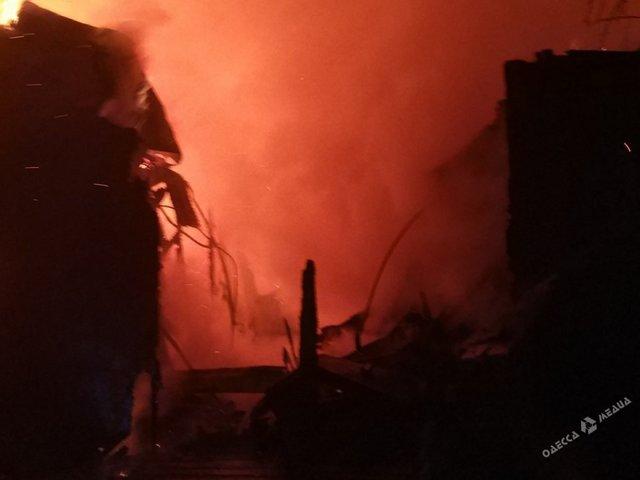 Водесском санатории «Красные зори» вспыхнул мощный пожар