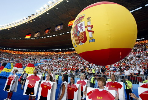 Performers are pictured during a ceremony prior to the start of the Euro 2008 championships final football match Germany vs. Spain on June 29, 2008 at Ernst-Happel stadium in Vienna, Austria. AFP PHOTO / PAUL ELLIS -- MOBILE SERVICES OUT -- (Photo credit should read PAUL ELLIS/AFP/Getty Images)