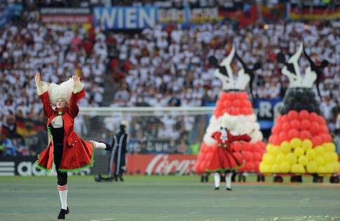 A performer is pictured during the closing ceremony before the Euro 2008 championships final football match Germany vs. Spain on June 29, 2008 at Ernst-Happel stadium in Vienna, Austria. AFP PHOTO / ALBERTO PIZZOLI -- MOBILE SERVICES OUT -- (Photo credit should read ALBERTO PIZZOLI/AFP/Getty Images)