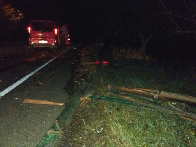 Микроавтобус врезался вповозку наюге Одесской области: три человека погибли