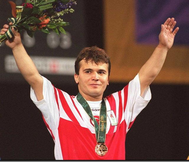 Олимпийский чемпион Сулейманоглу скончался в возрасте 50 лет