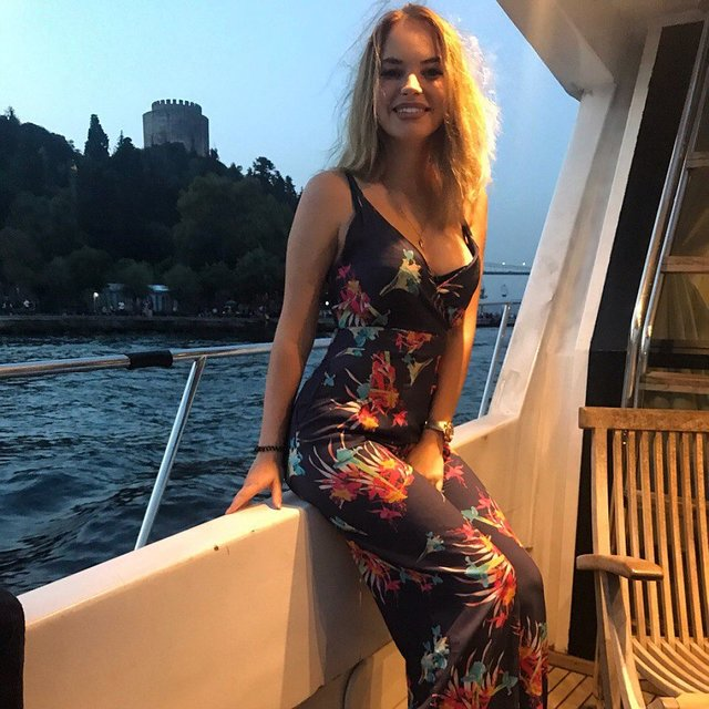 Съемки вечеринок в турции с русскими девочками секс