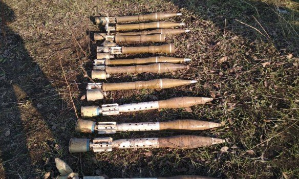 ВДонецкой области найден тайник сроссийскими реактивными боеприпасами,— ГПСУ