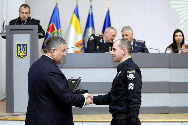 Руководитель МВД наградил одесских патрульных— Стрельба наНовосельского