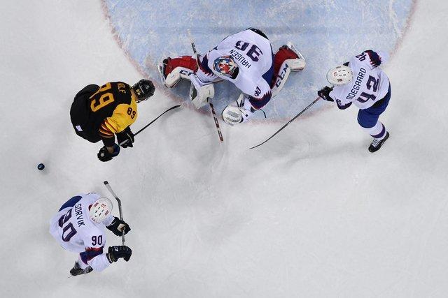 Хоккеисты сборной Германии побуллитам обыграли норвежцев наОлимпиаде