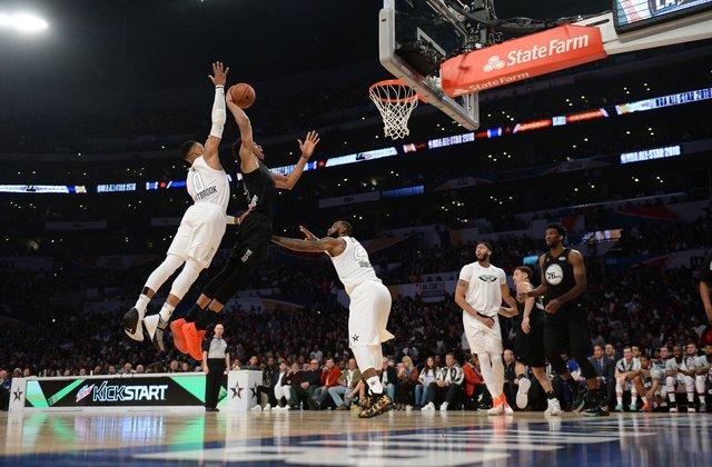 Матч звезд НБА: команда ЛеБрона сильнее команды Стефена