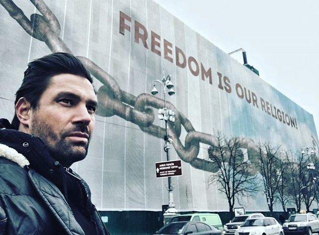 Звезда «Хоббита» поражен морозной красотой столицы Украины исвободолюбием украинцев