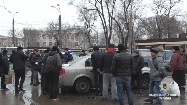 Вцентре Одессы вовремя задержания «барсеточников» пострадали трое полицейских