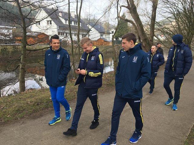 Шевченко имеет претензии кфутболистам сборной Украинского государства поведению игры