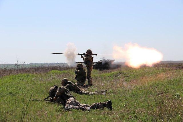Наберегу Азовского моря прошли масштабные военные учения