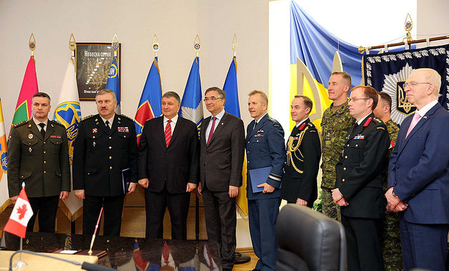 О военной подготовке Украина и Канада подписали соглашение , фото-1