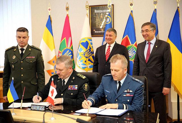 О военной подготовке Украина и Канада подписали соглашение , фото-4
