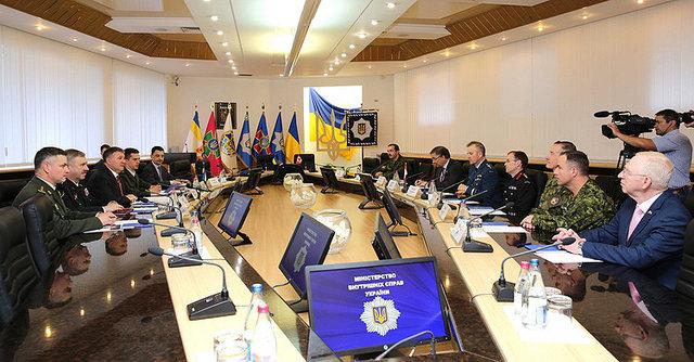 О военной подготовке Украина и Канада подписали соглашение , фото-5
