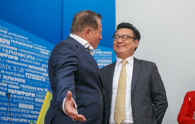 Марк Гинзбург (слева) и Дэвид Чен (справа).