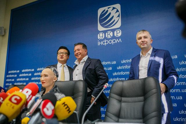 Дэвид Чен, София, Марк Гинзбург и Александр Рыженко (справа).