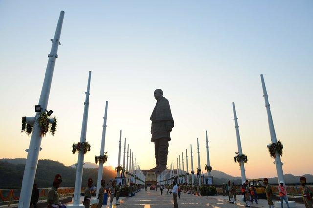 Индийцы построили самую высокую статую вмире