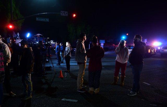 УКаліфорнії невідомий влаштував стрілянину убарі, загинули 12 людей