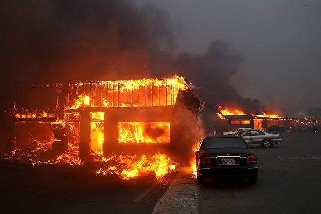 Впожарах вКалифорнии погибли 25 человек