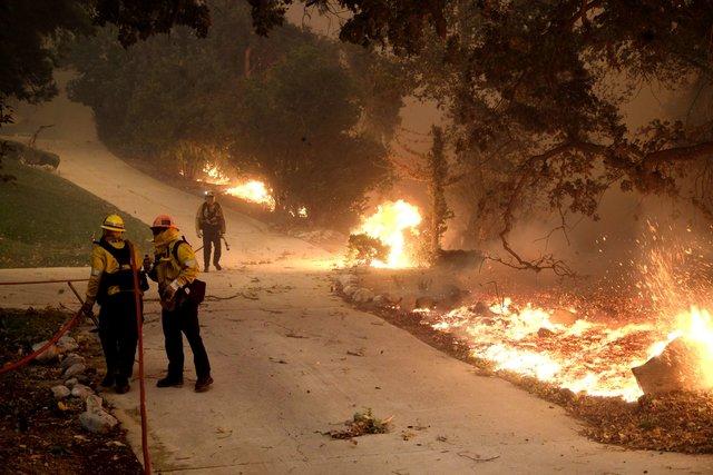 Калифорния вогне: сгорело место съемок сериала «Мир Дикого запада» Галерея!