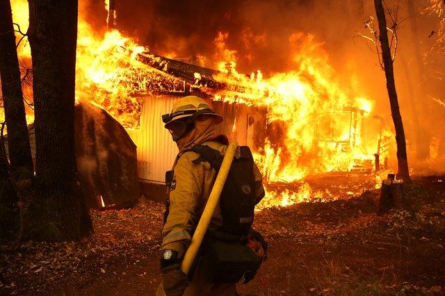 Пожар уничтожил ранчо Paramount, где снимали «Мир Дикого Запада»