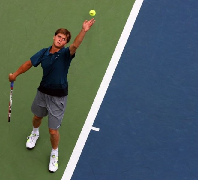 NEW YORK - SEPTEMBER 03: Ryan Harrison of the United States serves against Sergiy Stakhovsky of the Ukraine on day five of the 2010 U.S. Open at the USTA Billie Jean King National Tennis Center on September 3, 2010 in the Flushing neighborhood of the Queens borough of New York City.   Andrew Burton/Getty Images/AFP== FOR NEWSPAPERS, INTERNET, TELCOS & TELEVISION USE ONLY ==