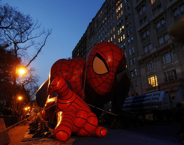The Spiderman balloon is seen during preparations for the 84th annual  Macy's Thanksgiving Day Parade in New York, November 24, 2010.   REUTERS/Shannon Stapleton (UNITED STATES - Tags: SOCIETY ENTERTAINMENT)