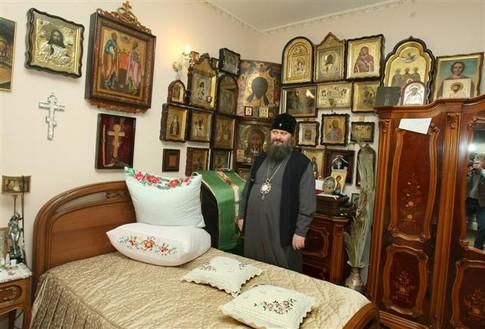 икона в комнате: