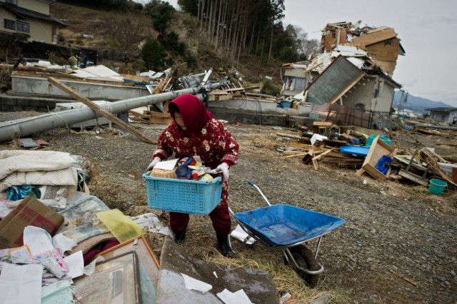 Japanese firemen from the Kyoto City department recover the body of a victim from the wreckage in Minamisanriku, Myagi province, on March 21, 2011, 10 days after a massive earthquake and tsunami ravaged northeastern Japan. The natural disaster -- Japan's deadliest since 1923 -- has left 8,649 people dead and 13,262 missing, after entire communities were swept away by the horrific tsunami or levelled by the record 9.0-magnitude quake.  Miyagi prefecture was worst hit by the quake and tsunami, with a confirmed death toll of 4,882 so far.  AFP PHOTO / PHILIPPE LOPEZ , Japanese firemen search through debris for bodies in Minamisanriku, Myagi province, on March 21, 2011, 10 days after a massive earthquake and tsunami ravaged northeastern Japan. The natural disaster -- Japan's deadliest since 1923 -- has left 8,649 people dead and 13,262 missing, after entire communities were swept away by the horrific tsunami or levelled by the record 9.0-magnitude quake.  Miyagi prefecture was worst hit by the quake and tsunami, with a confirmed death toll of 4,882 so far.  AFP PHOTO / PHILIPPE LOPEZ , A picture shows the rubble and debris 10 days after the massive 9.0 earthquake and tsunami hit the island of Oshima in Miyagi prefecture on March 21, 2011. The March 11 natural disaster -- Japan's deadliest since 1923 -- has left 8,649 people dead and 13,262 missing, after entire communities were swept away by the horrific tsunami or levelled by the record quake.  AFP PHOTO/ Nicolas ASFOURI , A Japanese man stands looking at his destroyed house 10 days after the massive 9.0 earthquake and tsunami hit the island of Oshima in Miyagi prefecture on March 21, 2011. The March 11 natural disaster -- Japan's deadliest since 1923 -- has left 8,649 people dead and 13,262 missing, after entire communities were swept away by the horrific tsunami or levelled by the record quake.  AFP PHOTO/ Nicolas ASFOURI , People walk beside a damaged yacht that was washed up onto a bridge 10 days after the massive 9.0 earthquake and tsunami in Ishinomaki, Miyagi prefecture, on March 21, 2011.  The March 11 natural disaster -- Japan's deadliest since 1923 -- has left 8,649 people dead and 13,262 missing, after entire communities were swept away by the horrific tsunami or levelled by the record quake.    AFP PHOTO/Toru YAMANAKA , A picture shows a boat sticking out of a building 10 days after the massive 9.0 earthquake and tsunami in Ishinomaki, Miyagi prefecture, on March 21, 2011.  The March 11 natural disaster -- Japan's deadliest since 1923 -- has left 8,649 people dead and 13,262 missing, after entire communities were swept away by the horrific tsunami or levelled by the record quake.    AFP PHOTO/Toru YAMANAKA , Cars shifted by the tsunami lie in a swimming pool 10 days after the massive 9.0 earthquake and tsunami in Ishinomaki, Miyagi prefecture, on March 21, 2011.  The March 11 natural disaster -- Japan's deadliest since 1923 -- has left 8,649 people dead and 13,262 missing, after entire communities were swept away by the horrific tsunami or levelled by the record quake.    AFP PHOTO/Toru YAMANAKA , A man walks with his bicycle in front of a destroyed yacht that was washed up onto a bridge 10 days after the massive 9.0 earthquake and tsunami in Ishinomaki, Miyagi prefecture, on March 21, 2011.  The March 11 natural disaster -- Japan's deadliest since 1923 -- has left 8,649 people dead and 13,262 missing, after entire communities were swept away by the horrific tsunami or levelled by the record quake.    AFP PHOTO/Toru YAMANAKA , A woman looks out at the devastation 10 days after the massive 9.0 earthquake and tsunami in Ishinomaki, Miyagi prefecture, on March 21, 2011.  The March 11 natural disaster -- Japan's deadliest since 1923 -- has left 8,649 people dead and 13,262 missing, after entire communities were swept away by the horrific tsunami or levelled by the record 9.0-magnitude quake.    AFP PHOTO/Toru YAMANAKA , A woman picks her way through piles of debris 10 days after the massive 9.0 earthquake and tsunami in Ishinomaki, Miyagi prefecture, on March 21, 2011.  The March 11 natural disaster -- Japan's deadliest since 1923 -- has left 8,649 people dead and 13,262 missing, after entire communities were swept away by the horrific tsunami or levelled by the record 9.0-magnitude quake.    AFP PHOTO/Toru YAMANAKA , A boat sits lodged into the side of a building with a car on its stern close to the port in Ishinomaki in Miyagi prefecture on March 21, 2011. Driving rain on March 21 disrupted rescue efforts in Japan and compounded the misery of disaster survivors now fearing radioactive fallout from the smouldering wreck of a nuclear plant.     AFP PHOTO / MIKE CLARKE , A woman stands in front of a grounded fishing boat and debris in Kesennuma, Miyagi prefecture, on March 21, 2011 after the March 11 tsunami and earthquake devastated northeastern Japan.  Heavy rain along the northeast coast disrupted post-tsunami rescue efforts and compounded the misery of survivors now fearing radioactive fallout from the wrecked Fukushima plant, which has suffered a series of explosions and fires. The March 11 natural disaster -- Japan's deadliest since 1923 -- has left 8,649 people dead and 13,262 missing, after entire communities were swept away by the horrific tsunami or levelled by the record 9.0-magnitude quake. AFP PHOTO / FRED DUFOUR , A picture shows beached fishing boats and debris in Kesennuma, Miyagi prefecture, on March 21, 2011 after the March 11 tsunami and earthquake devastated northeastern Japan.  Heavy rain along the northeast coast disrupted post-tsunami rescue efforts and compounded the misery of survivors now fearing radioactive fallout from the wrecked Fukushima plant, which has suffered a series of explosions and fires. The March 11 natural disaster -- Japan's deadliest since 1923 -- has left 8,649 people dead and 13,262 missing, after entire communities were swept away by the horrific tsunami or levelled by the record 9.0-magnitude quake.  AFP PHOTO/KAZUHIRO NOGI , A general view shows tsunami damage from the March 11 tsunami and earthquake on the island of Oshima in Miyagi prefecture on March 21, 2011. Japan has ordered a halt to shipments of certain foods from four prefectures after abnormal radiation levels were found in products near a quake-hit nuclear plant, a government spokesman said. AFP PHOTO/ Nicolas ASFOURI , A father carries his son on his shoulders as they look out over the devastation to the port city of Kesennuma in Miyagi prefecture on March 21, 2011 10 days after an earthquake and tsunami hit the northeastern coast of Japan. The number of people confirmed dead or listed as missing in Japan neared 22,000, 10 days after a massive earthquake and tsunami struck the country's northeast coast.  AFP PHOTO / JIJI PRESS , Cyclists pedal their bicycles in the water as the road is covered with seawater at Kesennuma city in Miyagi prefecture on March 21, 2011. The number of people confirmed dead or listed as missing in Japan neared 22,000, 10 days after a massive earthquake and tsunami struck the country's northeast coast.  AFP PHOTO / JIJI PRESS , A couple stands in the rubble of there their house was before the March 11 tsunami in the city of Ishinomaki in Miyagi prefecture on March 21, 2011 10 days after an earthquake and tsunami hit the northeastern coast of Japan. The number of people confirmed dead or listed as missing in Japan neared 22,000, 10 days after a massive earthquake and tsunami struck the country's northeast coast.  AFP PHOTO / JIJI PRESS , A picture shows the devastation on the island of Oshima in Miyagi prefecture on March 21, 2011, 10 days after the massive 9.0 earthquake and tsunami. The March 11 natural disaster -- Japan's deadliest since 1923 -- has left 8,649 people dead and 13,262 missing, after entire communities were swept away by the horrific tsunami or levelled by the record quake.  AFP PHOTO/ Nicolas ASFOURI , Japanese officials assess the damage on the island of Oshima in Miyagi prefecture on March 21, 2011, 10 days after the massive 9.0 earthquake and tsunami. The March 11 natural disaster -- Japan's deadliest since 1923 -- has left 8,649 people dead and 13,262 missing, after entire communities were swept away by the horrific tsunami or levelled by the record quake.  AFP PHOTO/ Nicolas ASFOURI , A resident walks amid the debris and rubble on the island of Oshima in Miyagi prefecture on March 21, 2011, 10 days after the massive 9.0 earthquake and tsunami. The March 11 natural disaster -- Japan's deadliest since 1923 -- has left 8,649 people dead and 13,262 missing, after entire communities were swept away by the horrific tsunami or levelled by the record quake.  AFP PHOTO/ Nicolas ASFOURI , Japanese officials assess the damage on the island of Oshima in Miyagi prefecture on March 21, 2011, 10 days after the massive 9.0 earthquake and tsunami. The March 11 natural disaster -- Japan's deadliest since 1923 -- has left 8,649 people dead and 13,262 missing, after entire communities were swept away by the horrific tsunami or levelled by the record quake.  AFP PHOTO/ Nicolas ASFOURI , Japanese officials assess the damage on the island of Oshima in Miyagi prefecture on March 21, 2011, 10 days after the massive 9.0 earthquake and tsunami. The March 11 natural disaster -- Japan's deadliest since 1923 -- has left 8,649 people dead and 13,262 missing, after entire communities were swept away by the horrific tsunami or levelled by the record quake.  AFP PHOTO/ Nicolas ASFOURI , Japanese officials assess the damage as they walk through the debris on the island of Oshima in Miyagi prefecture on March 21, 2011, 10 days after the massive 9.0 earthquake and tsunami. The March 11 natural disaster -- Japan's deadliest since 1923 -- has left 8,649 people dead and 13,262 missing, after entire communities were swept away by the horrific tsunami or levelled by the record quake.  AFP PHOTO/ Nicolas ASFOURI , Japanese officials assess the damage next to a large boat washed up on the island of Oshima in Miyagi prefecture on March 21, 2011, 10 days after the massive 9.0 earthquake and tsunami. The March 11 natural disaster -- Japan's deadliest since 1923 -- has left 8,649 people dead and 13,262 missing, after entire communities were swept away by the horrific tsunami or levelled by the record quake.  AFP PHOTO/ Nicolas ASFOURI , A picture shows the devastation on the island of Oshima in Miyagi prefecture on March 21, 2011, 10 days after the massive 9.0 earthquake and tsunami. The March 11 natural disaster -- Japan's deadliest since 1923 -- has left 8,649 people dead and 13,262 missing, after entire communities were swept away by the horrific tsunami or levelled by the record quake.  AFP PHOTO/ Nicolas ASFOURI , Survivors walk along a street lined with damaged houses on the island of Oshima in Miyagi prefecture on March 21, 2011, 10 days after the massive 9.0 earthquake and tsunami. The March 11 natural disaster -- Japan's deadliest since 1923 -- has left 8,649 people dead and 13,262 missing, after entire communities were swept away by the horrific tsunami or levelled by the record quake.  AFP PHOTO/ Nicolas ASFOURI , A Japanese tsunami survivor sorts through her belongings on the island of Oshima in Miyagi prefecture on March 21, 2011, 10 days after the massive 9.0 earthquake and tsunami. The March 11 natural disaster -- Japan's deadliest since 1923 -- has left 8,649 people dead and 13,262 missing, after entire communities were swept away by the horrific tsunami or levelled by the record quake.  AFP PHOTO/ Nicolas ASFOURI