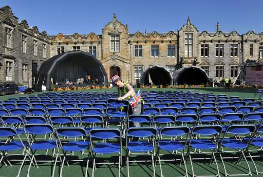 The town of St Andrews in Scotland prepares April 28, 2011, for a street party to celebrate the wedding of Britain's Prince William and Kate Middleton at London's Westminster Abbey on Friday April 29. The pair met while studying at St Andrews University. AFP PHOTO/ANDY BUCHANAN