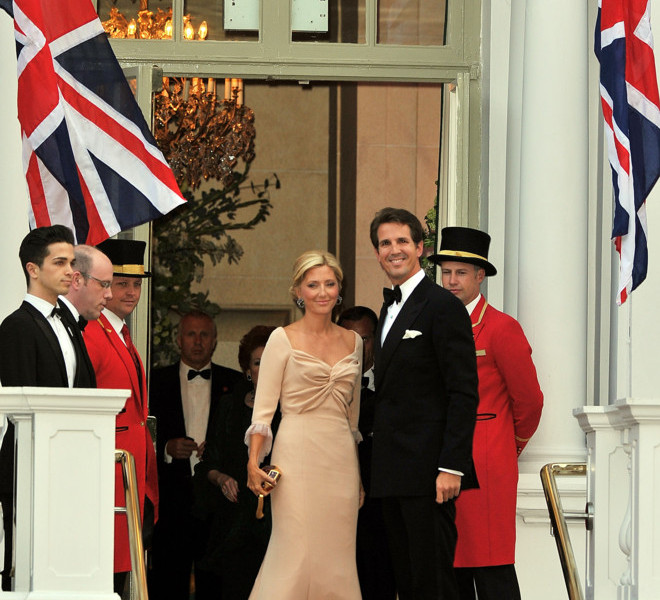 LONDON, ENGLAND - APRIL 28:  Crown Prince Pavlos of Greece (L) and Crown Princess Marie-Chantal of Greece arrive at a gala pre-wedding dinner held at the Mandarin Oriental Hyde Park on April 28, 2011 in London, England.  (Photo by Pascal Le Segretain/Getty Images)