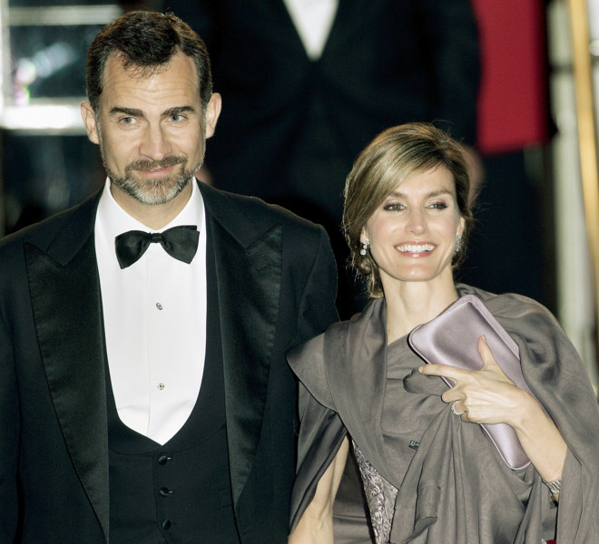 LONDON, ENGLAND - APRIL 28:  Prince Felipe of Asturias (L) and Princess Letizia of Asturias attend a gala pre-wedding dinner held at the Mandarin Oriental Hyde Park on April 28, 2011 in London, England.  (Photo by Matthew Lloyd/Getty Images)