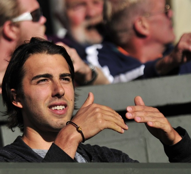 Sasha Vujacic, partner of Russia's Maria Sharapova, watches her play against Russian player Anna Chakvetadze during a Women's Singles match at the 2011 Wimbledon Tennis Championships at the All England Tennis Club, in south-west London, on June 21, 2011. AFP PHOTO/GLYN KIRK/RESTRICTED TO EDITORIAL USE