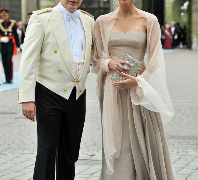 STOCKHOLM, SWEDEN - JUNE 19:  Prince Albert of Monaco and girlfriend Charlene Wittstock attend the wedding of Crown Princess Victoria of Sweden and Daniel Westling on June 19, 2010 in Stockholm, Sweden.  (Photo by Pascal Le Segretain/Getty Images)