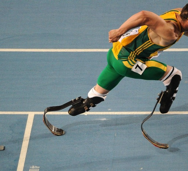 South Africa's Oscar Pistorius competes in the men's 400 metres semi-finals at the International Association of Athletics Federations (IAAF) World Championships in Daegu on August 29, 2011.  AFP PHOTO / ANTONIN THUILLIER