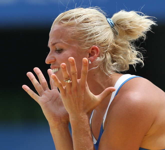 Ukraine's Natalia Dobrynska reacts as she competes in the high jump of the women's heptathlon event at the International Association of Athletics Federations (IAAF) World Championships in Daegu on August 29, 2011.  AFP PHOTO / ADRIAN DENNIS