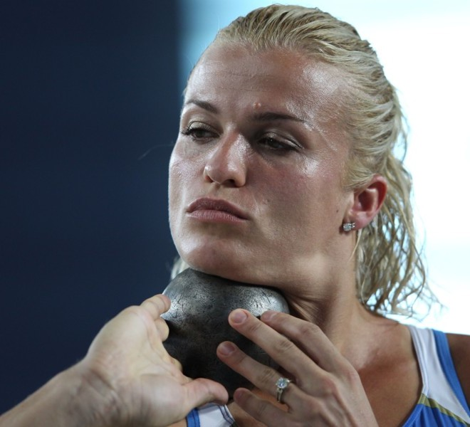 Ukraine's Natalia Dobrynska competes in the shot put of the women's heptathlon event at the International Association of Athletics Federations (IAAF) World Championships in Daegu on August 29, 2011. AFP PHOTO / ADRIAN DENNIS