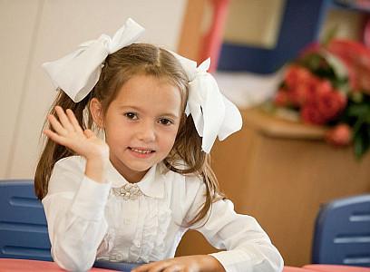 Шестилетняя дочь Виктора Медведчука и Оксаны Марченко Даша пошла в первый к