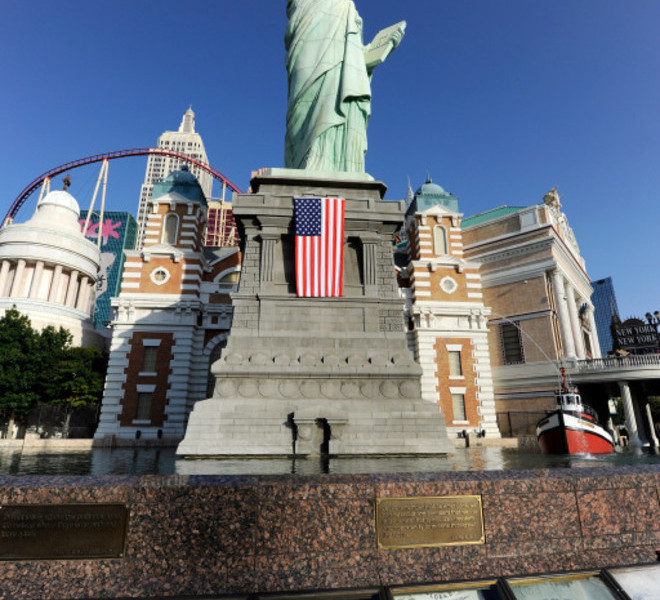 LAS VEGAS, NV - SEPTEMBER 11: The Tribute to Heroes of 9/11 display sits in front of the half-size replica of the Statue of Liberty outside the New York-New York Hotel & Casino on September 11, 2011 in Las Vegas, Nevada. Las Vegas is joining the rest of the nation in commemorating the tenth anniversary of the September 11, 2001 terrorist attacks.   Ethan Miller/Getty Images/AFP== FOR NEWSPAPERS, INTERNET, TELCOS & TELEVISION USE ONLY ==