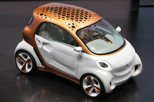 "The smart concept car ""forvision"" by German car maker Daimler AG is presented at the international car show IAA (Internationale Automobil-Ausstellung) in Frankfurt/M., western Germany, on September 13, 2011. The world's biggest motor show, the IAA, is running from September 15 to 25, 2011. AFP PHOTO DANIEL ROLAND"