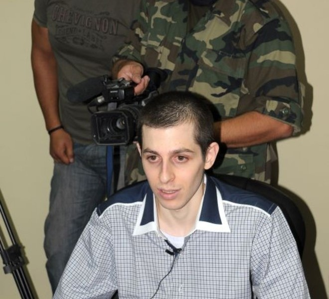 Israeli soldier Gilad Shalit speaks during an interview with Hamas TV at an undisclosed location on October 18, 2011 prior to his release after 5 years of Hamas captivity under the terms of an Egyptian-mediated deal that will see Israel release a total of 1,027 Palestinian prisoners. AFP PHOTO/STR