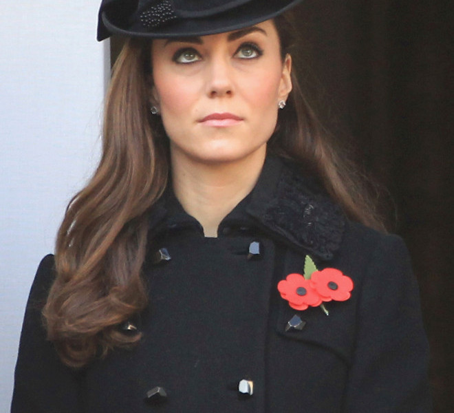 LONDON, UNITED KINGDOM - NOVEMBER 13:  Catherine, Duchess of Cambridge attends the Remembrance Day Ceremony at the Cenotaph on November 13, 2011 in London, United Kingdom. Politicians and Royalty joined the rest of the county in honouring the war dead by gathering at the iconic memorial to lay wreaths and observe two minutes silence.  (Photo by Chris Jackson/Getty Images)