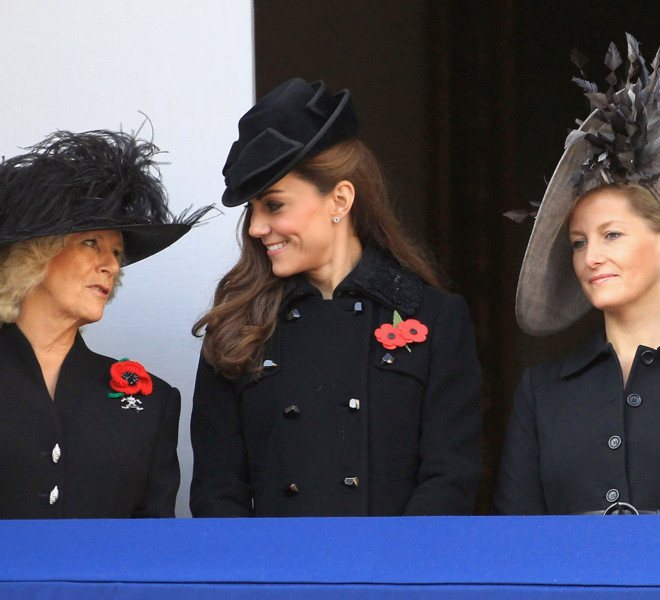 LONDON, UNITED KINGDOM - NOVEMBER 13: (L-R) Camilla, Duchess of Cornwall, Catherine, Duchess of Cambridge and Sophie, Countess of Wessex attend the Remembrance Day Ceremony at the Cenotaph on November 13, 2011 in London, United Kingdom. Politicians and Royalty joined the rest of the county in honouring the war dead by gathering at the iconic memorial to lay wreaths and observe two minutes silence.  (Photo by Chris Jackson/Getty Images)