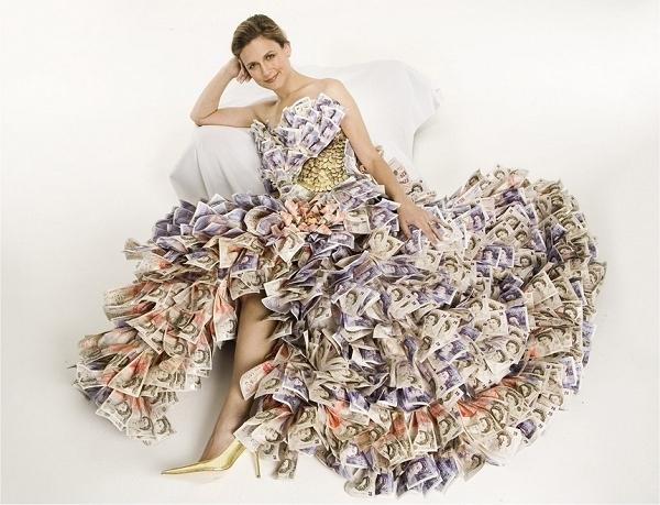 Платье из чайных пакетиков