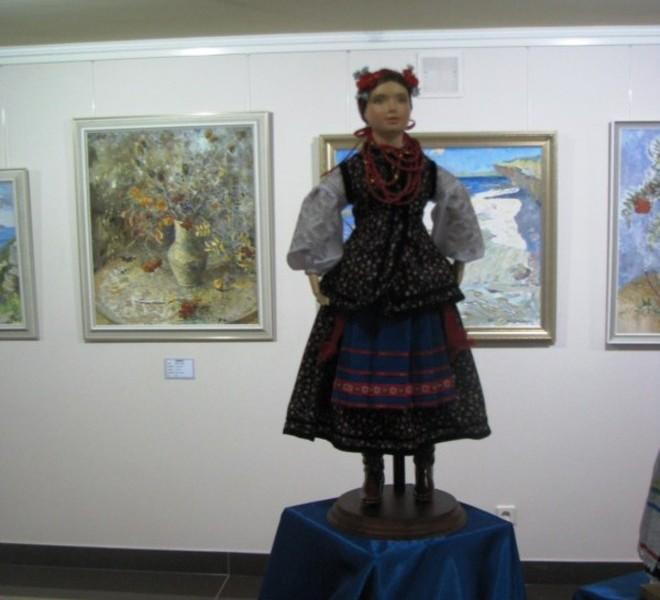 В Донецке открылась выставка авторских кукол мировых ...: http://www.segodnya.ua/regions/donetsk/v-donetske-otkrylac-vyctavka-avtorckikh-kukol-mirovykh-macterov.html