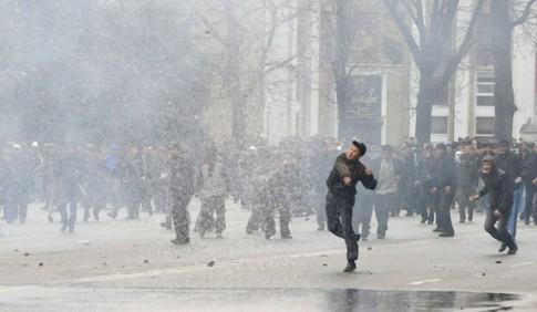 В кыргызстане началась революция