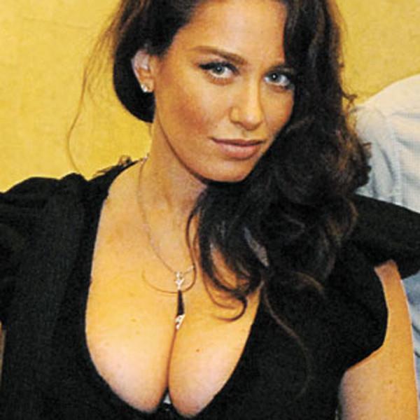 Но нередко бывает и так, что женщины с большой грудью не особо