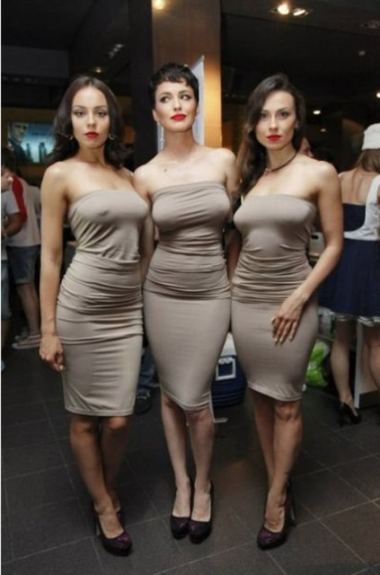 Девушки без нижниго белье фото 759-211