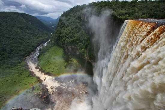 Картинки по запросу Необычный и красивый водопад. Гордость Азии
